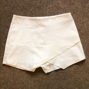 Off white envelope skort